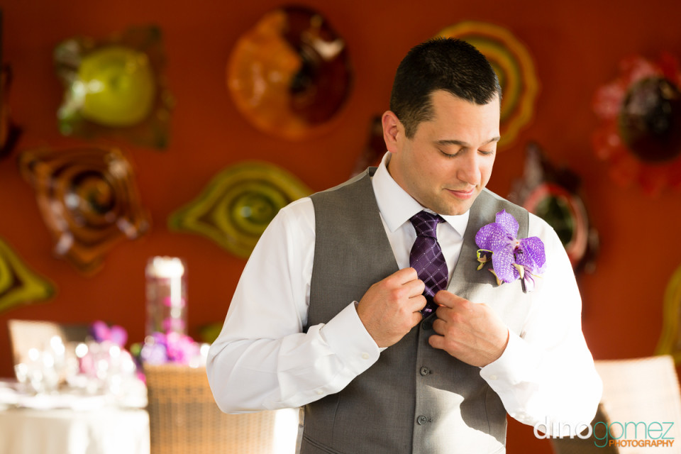 Great Portrait Of The Groom Getting Ready By Photographer In Riviera Maya Dino Gomez