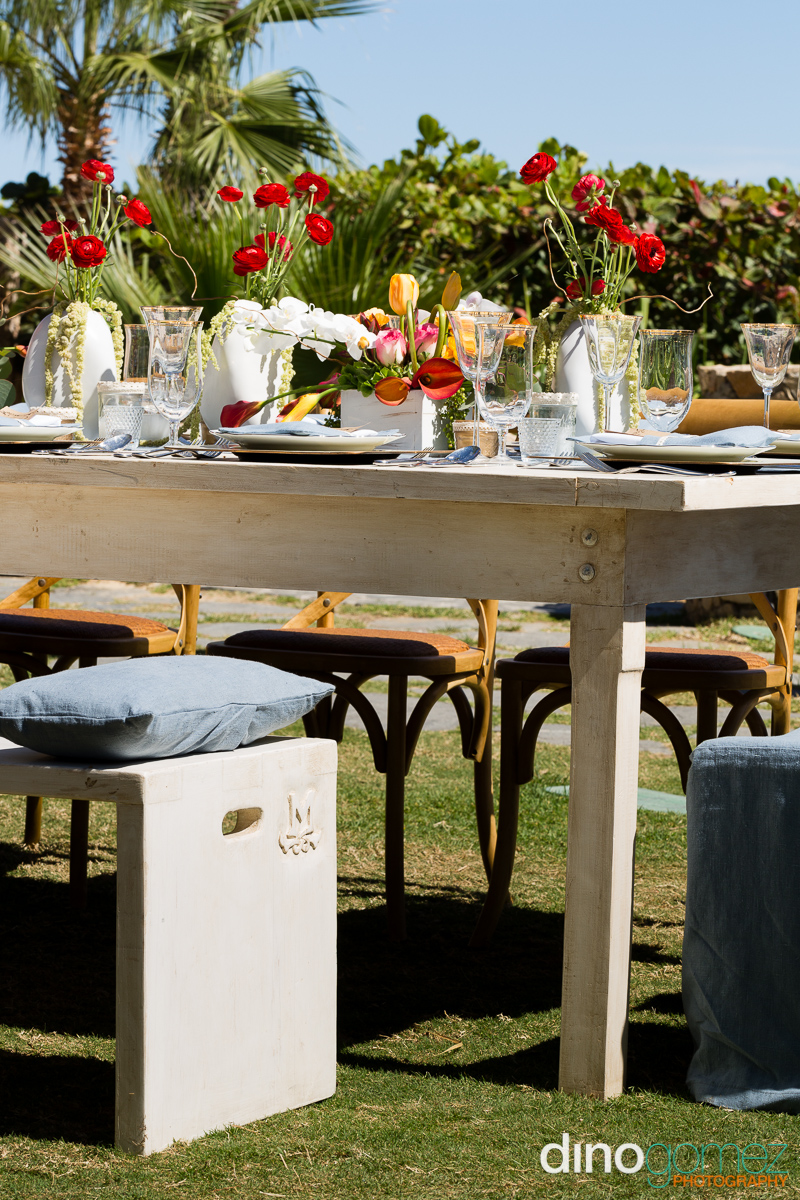 Outdoor wedding table decorations