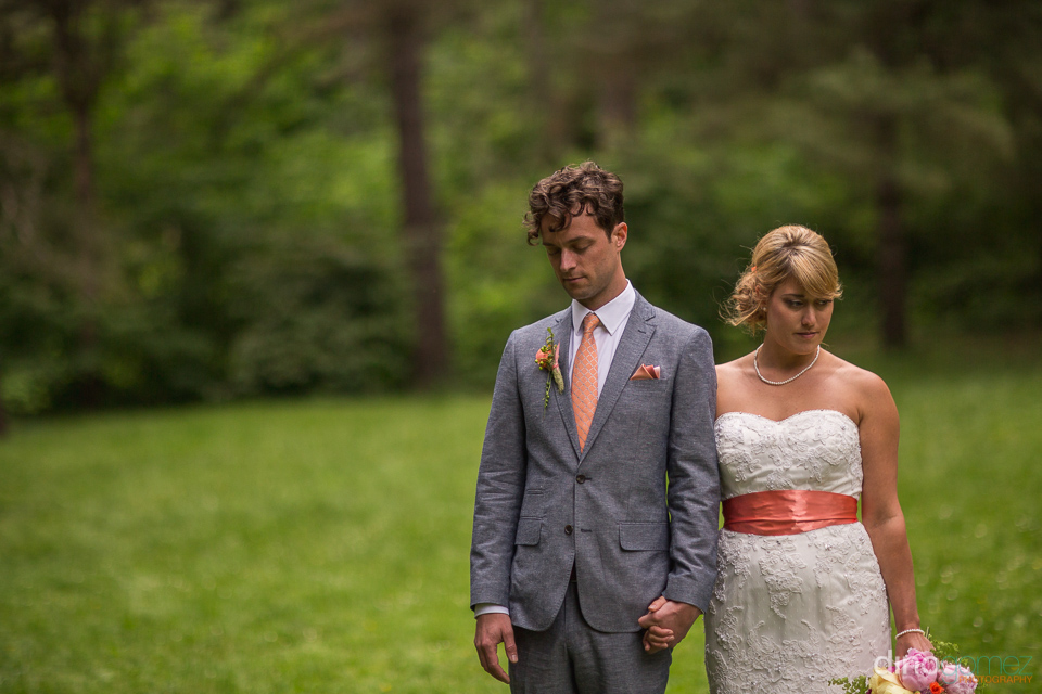 beautiful photo of bride and groom at the hoyt arboretum