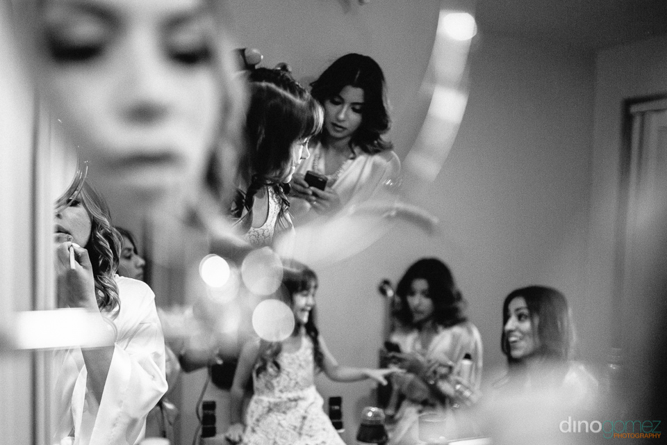 bride getting ready with bridesmaids at the hilton los cabos
