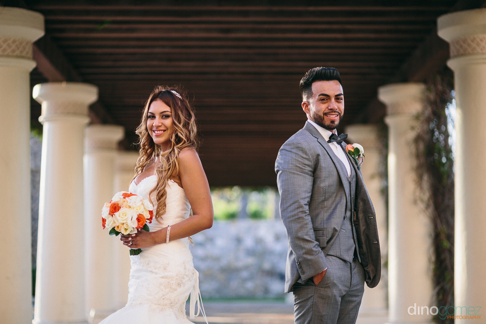 gorgeous photo of bride and groom at the hilton los cabos