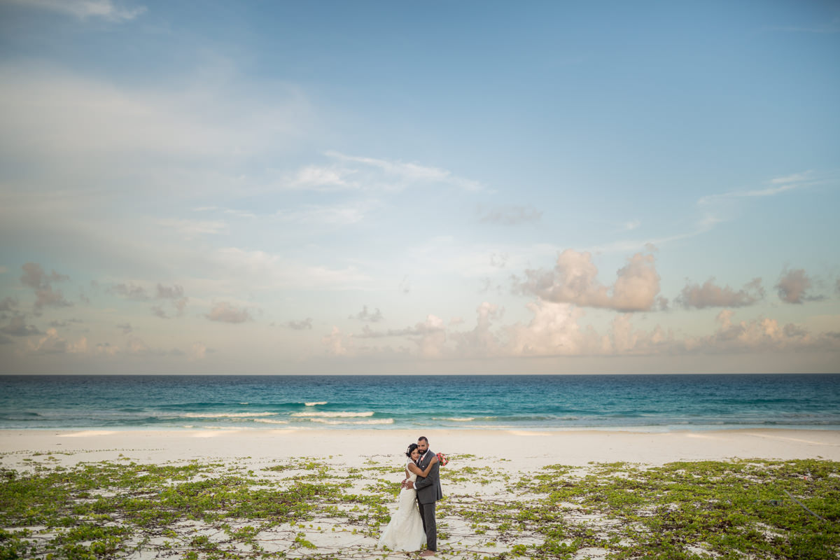 The artistic wedding photographers in Mexico Los Cabos