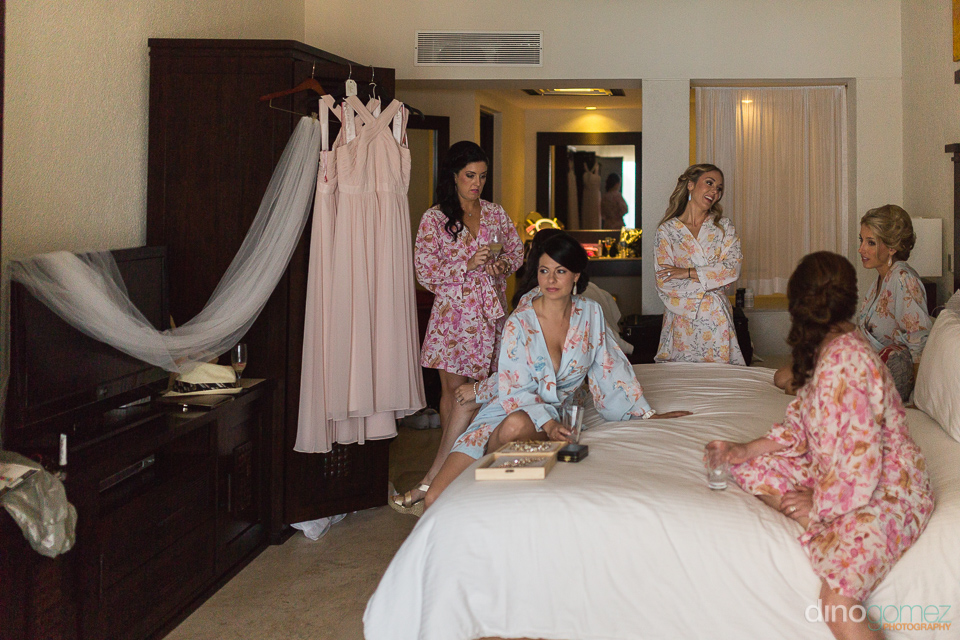 Bridesmaids relaxing - Monica & Parker Wedding by Photographer i