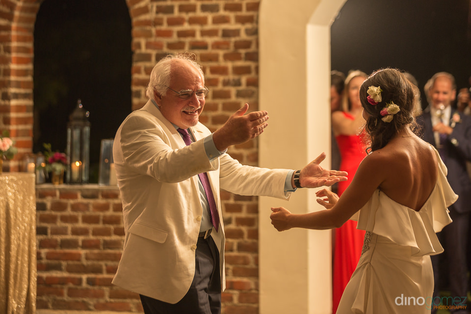 The bride dancing with her father at Flora Farm