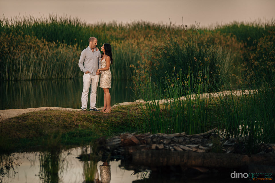 gorgeous photo of a couple at the Estero San Jose surrounded by