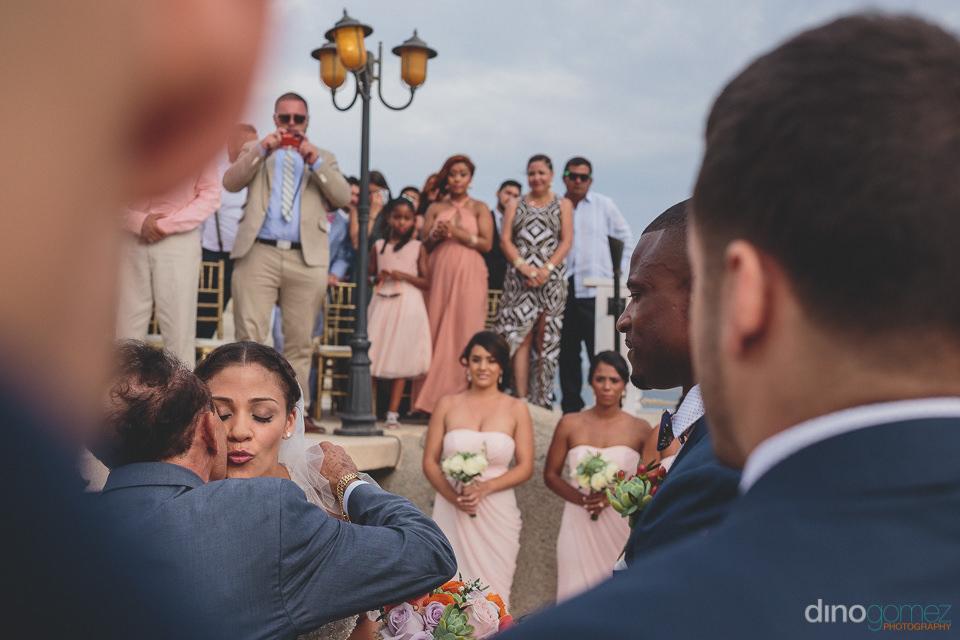 Wedding ceremony at Sunset da Mona Lisa Cabo San Lucas