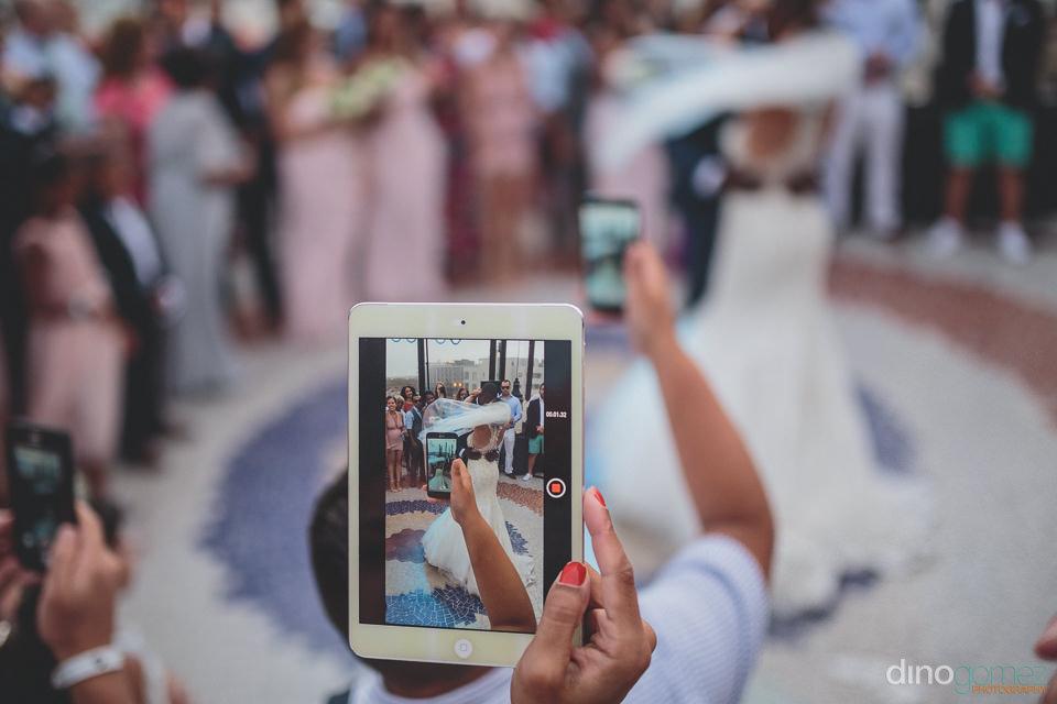 iPad wedding photos