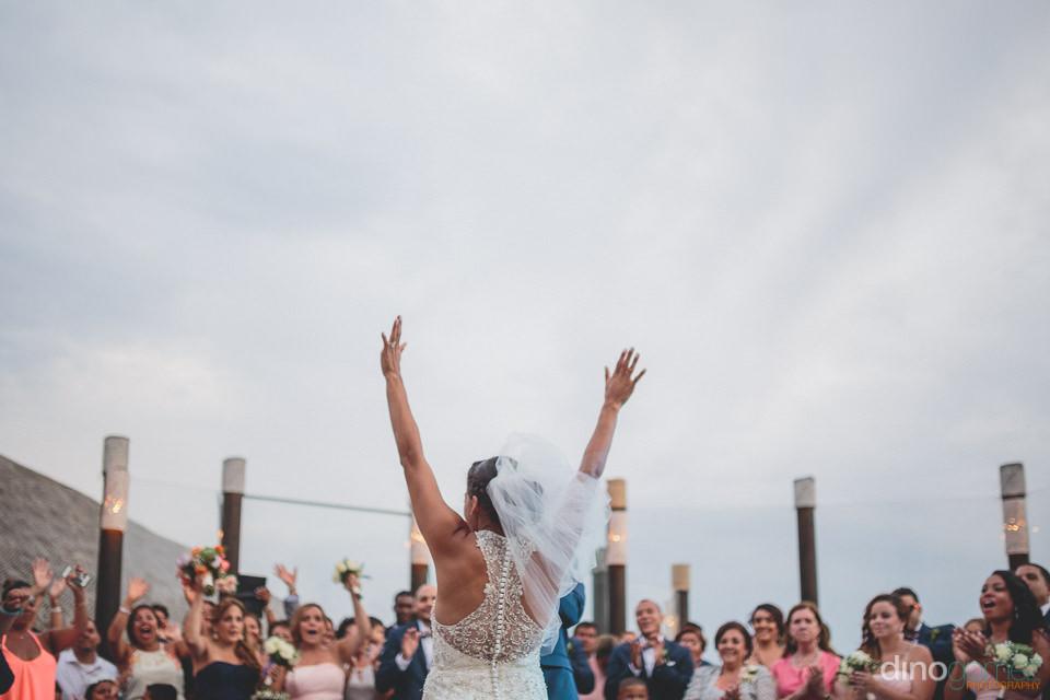 Luxury wedding bouquet toss