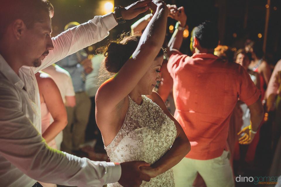 Wedding DJ cabo bride dances