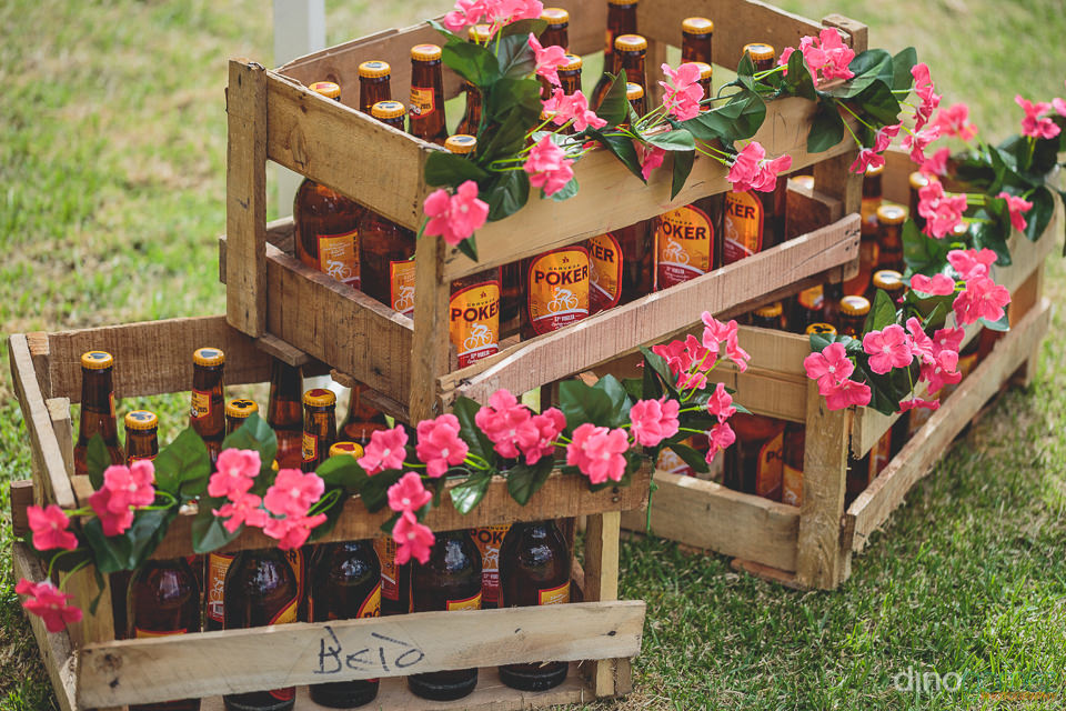 poker colombian beer in homemade crates ready for the wedding re