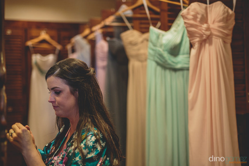 different colored bridesmaid dresses at the wedding