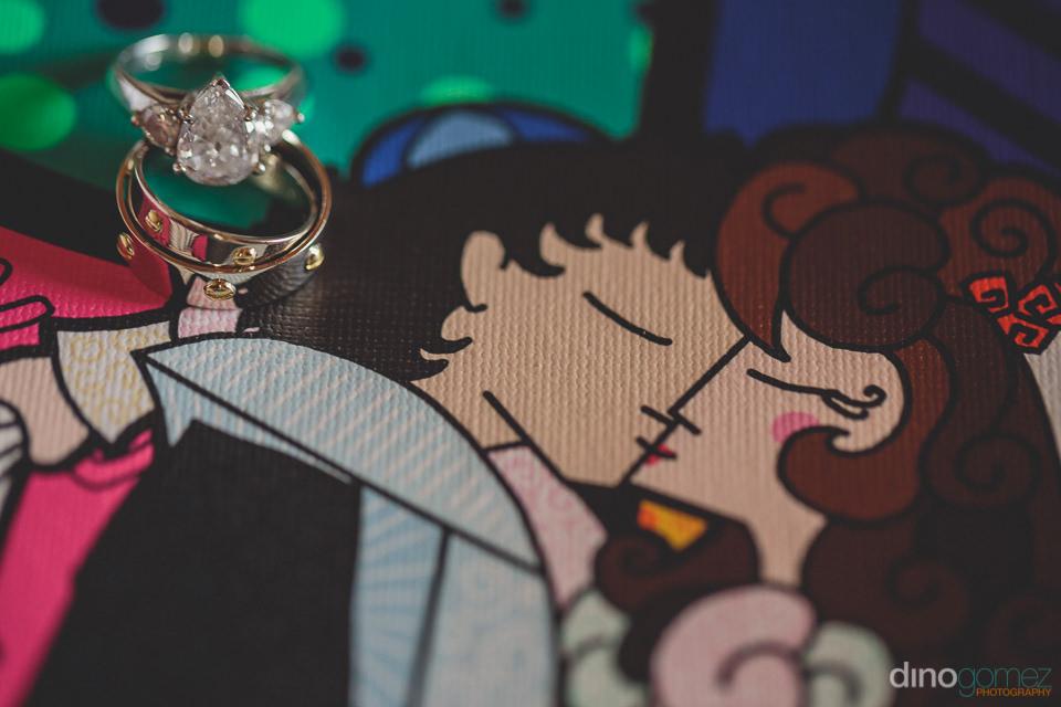 diamond and gold wedding rings at cabo jewish wedding