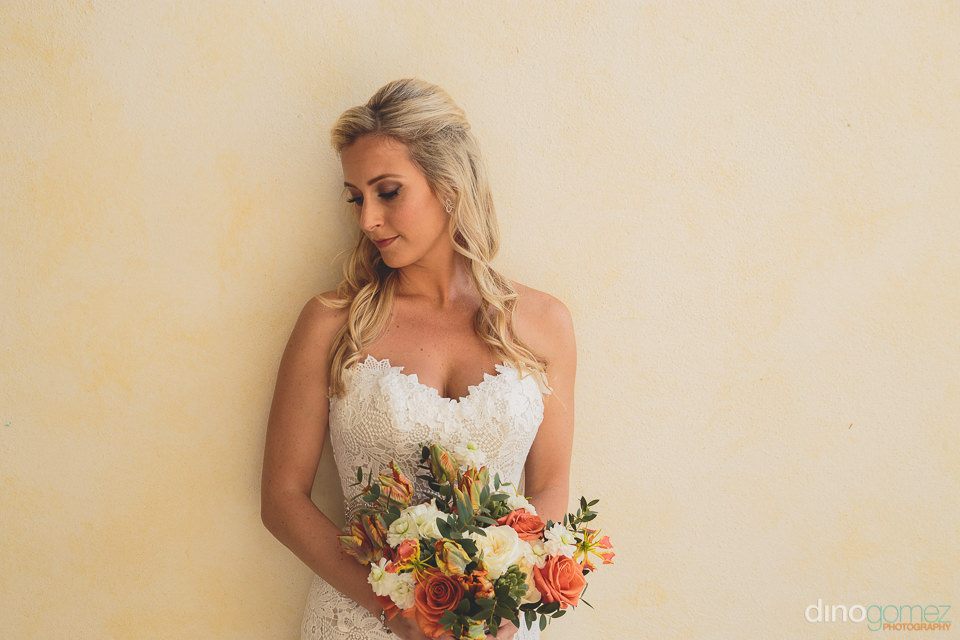 bride with elena damy flower bouquet