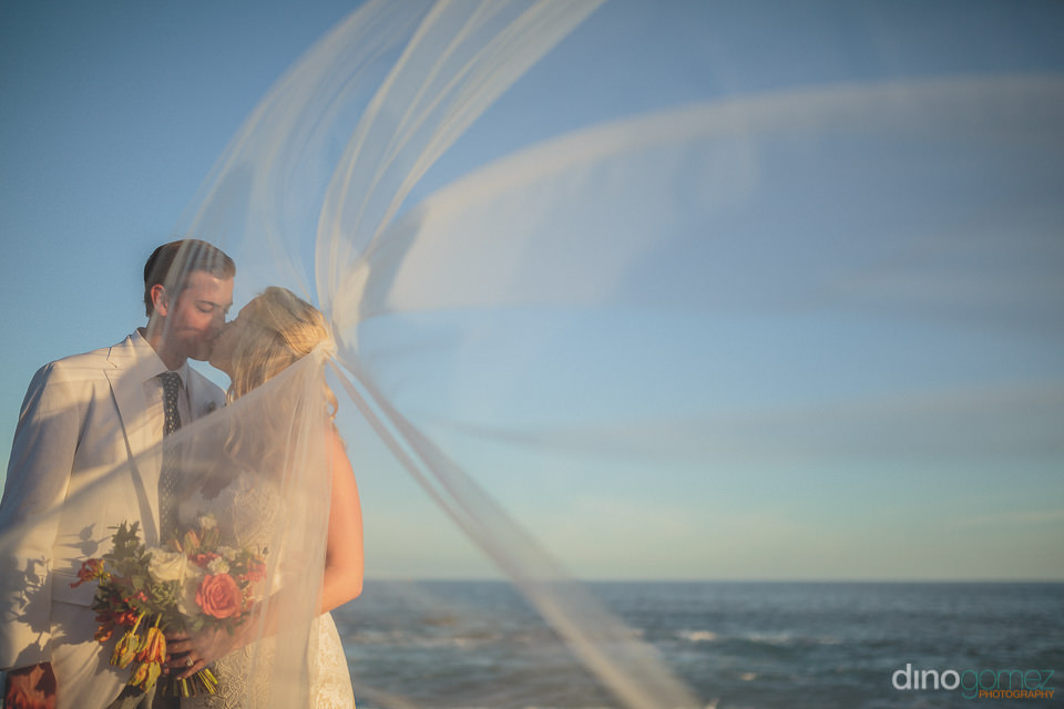 beachside wedding in los cabos dino gomez photography