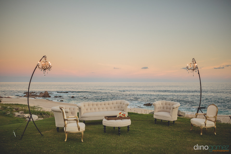 oceanside wedding lounge for guests