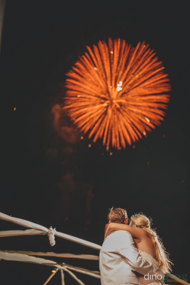 beachside fireworks at los cabos wedding