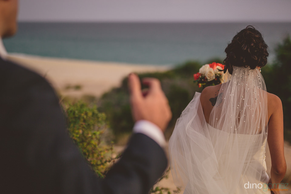 san jose del cabo beach wedding photos by dino gomez
