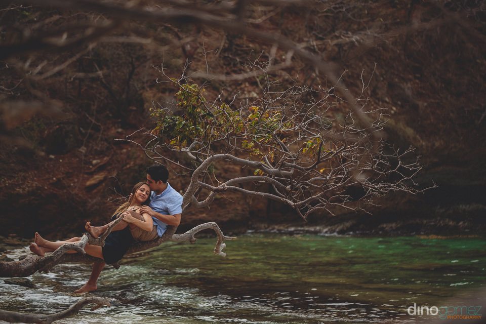 wedding photo session in tayrona national park colombia by dino