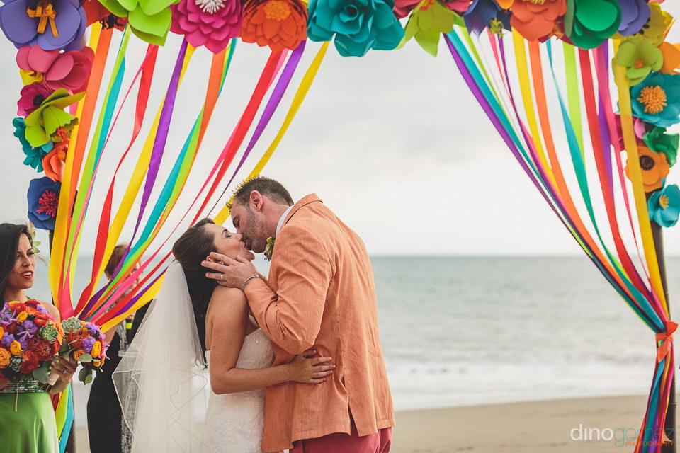 gaby cobain and vivid occasions puerto vallarta wedding photogra