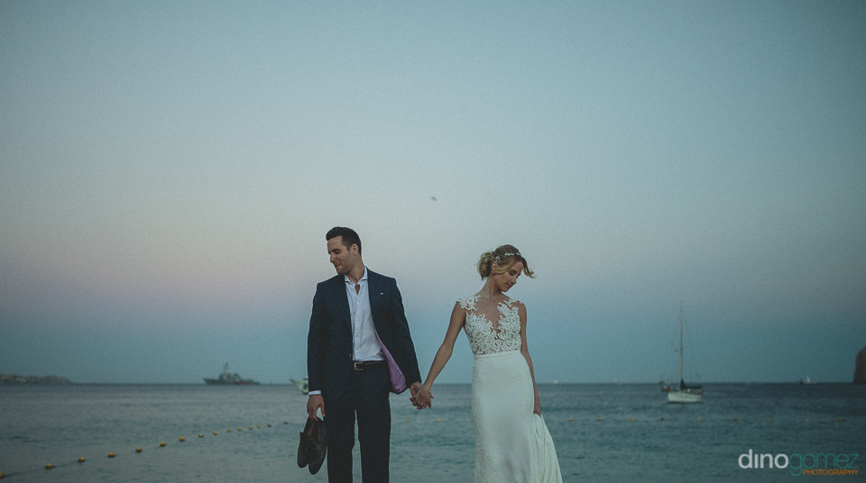 destination wedding photographed by dino gomez on medano beach c
