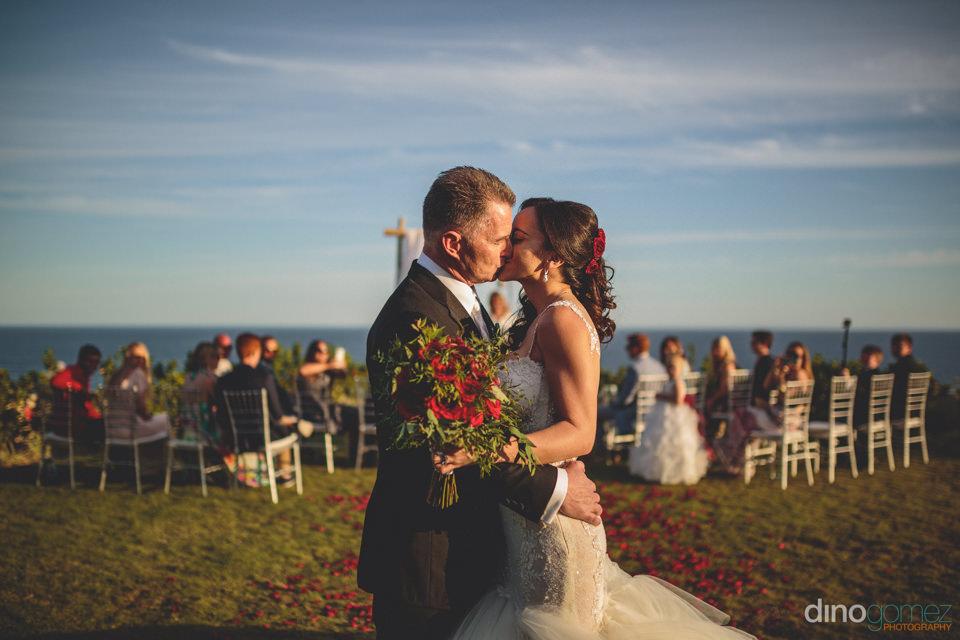 mexican seaside destination wedding at secrets puerto los cabos