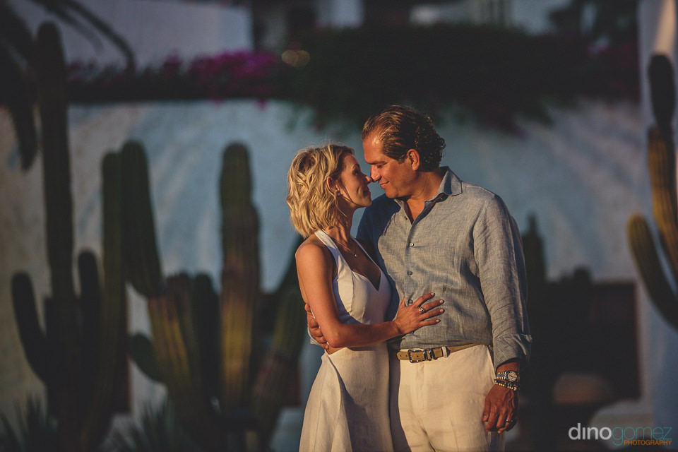 luxury desert wedding at las ventanas al paraiso photographed by