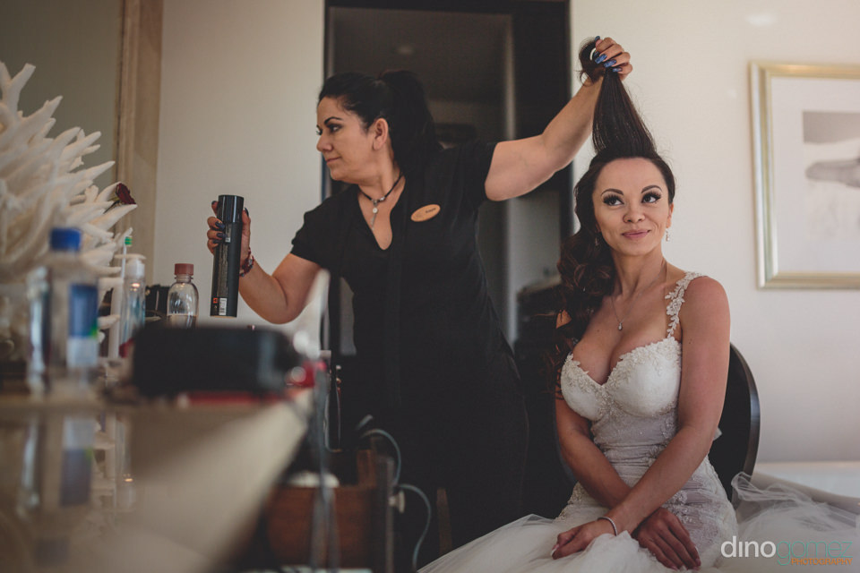 Wedding At Puerto Los Cabos Excited Bride Doing Her Makeup