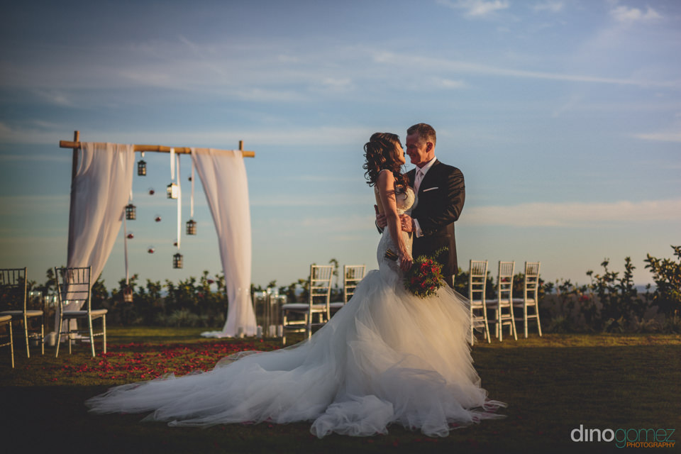 Elegant Wedding Ceremony Decorated By Linens Things And More Los