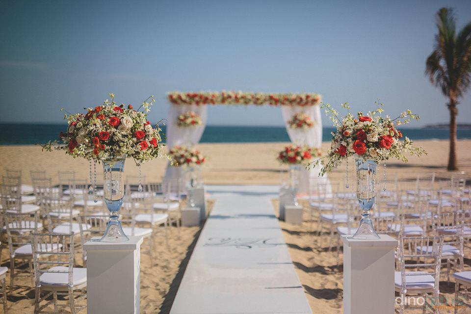 dream beach destination wedding ceremony by momentos weddings &