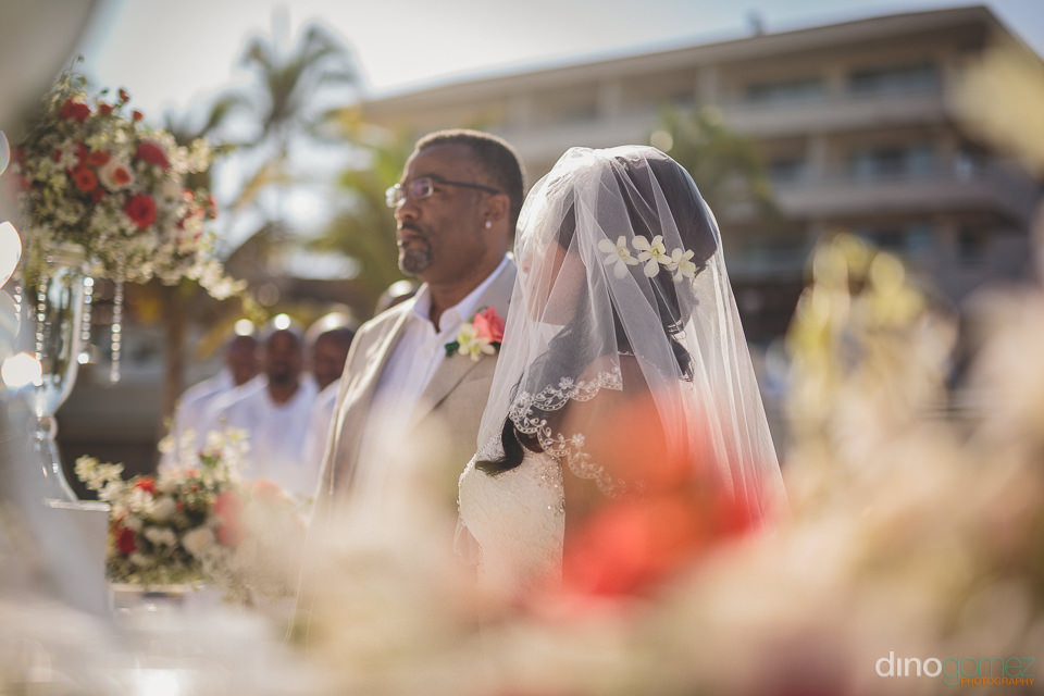 american bride and groom travel to mexico for destination weddin