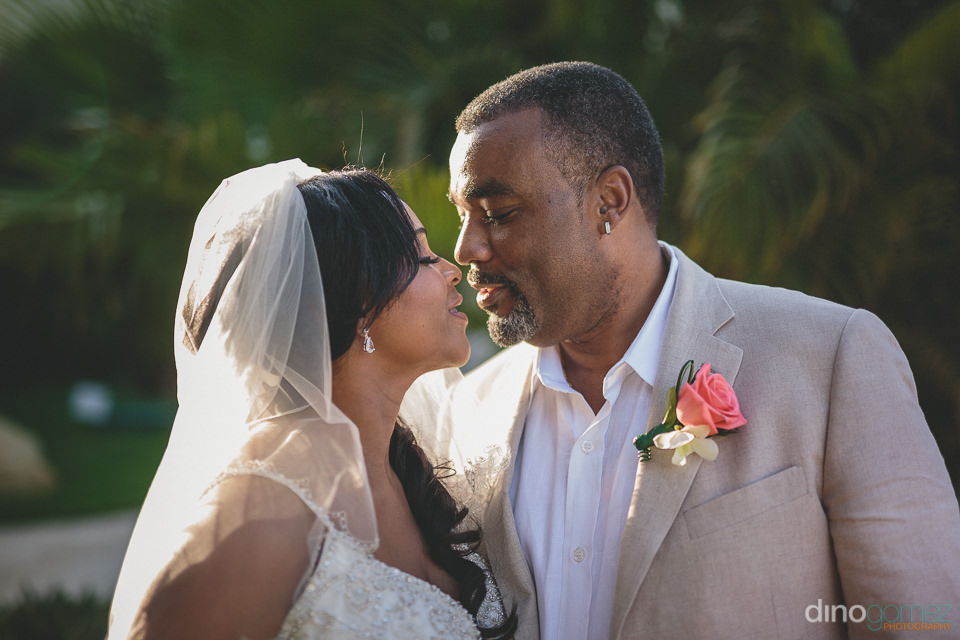beautiful newlyweds photographed by cabos best wedding photograp