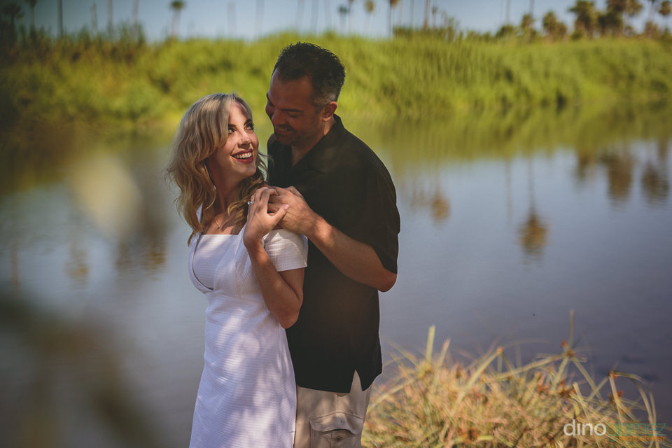 photographer in cabo engagement session at riu santa fe by dino
