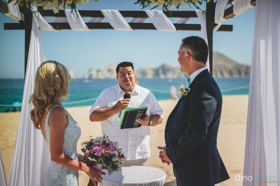 dream wedding on the beach in cabo with photos by dino gomez
