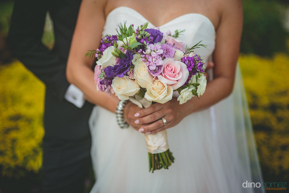 breathtaking bridal bouquet by cabos best florist photo by dino