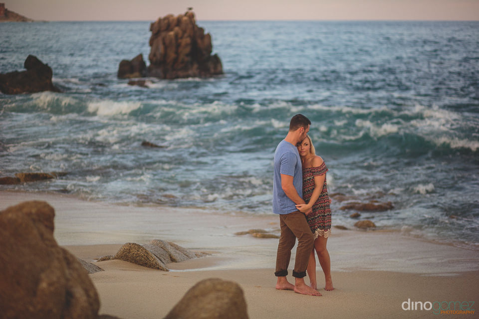 professional photographer in los cabos for weddings on the beach