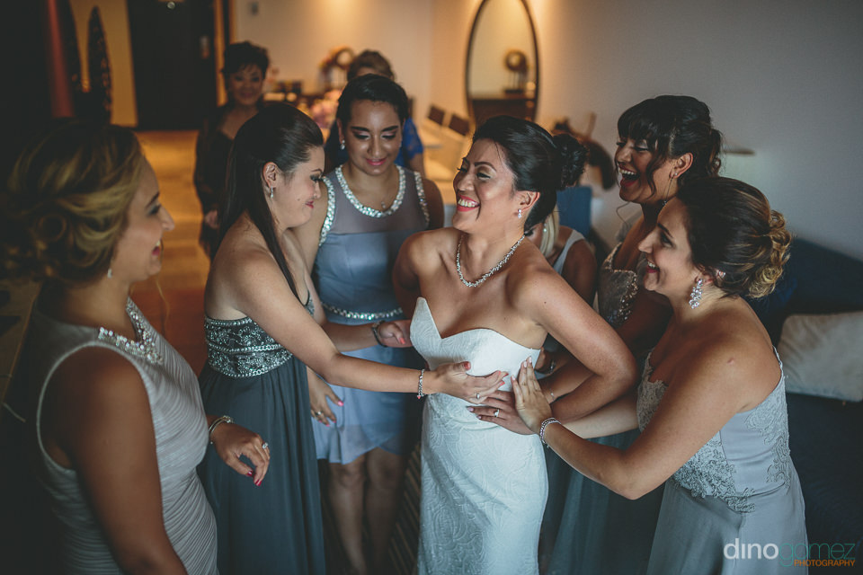 top wedding photographer dino gomez photo of smiling bride with
