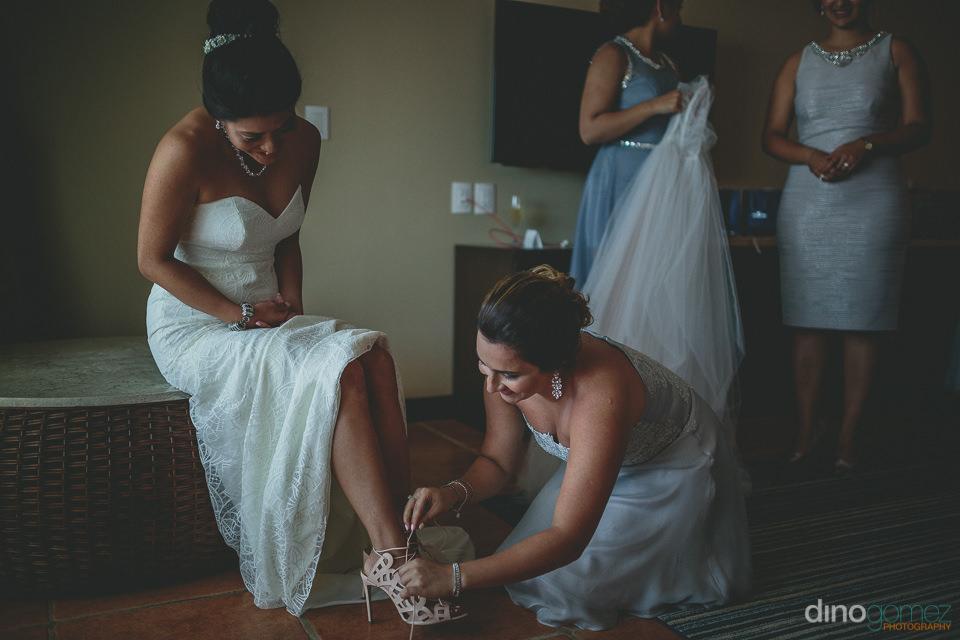 local wedding photographer dino gomez of los cabos mexico