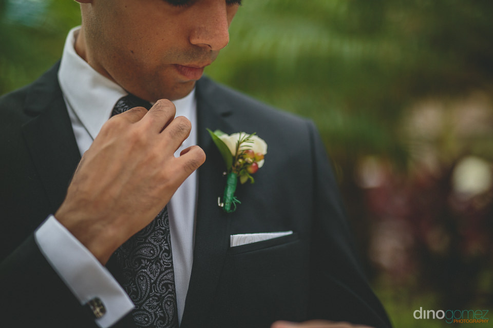 amazing floral accessories with wedding photos by dino gomez