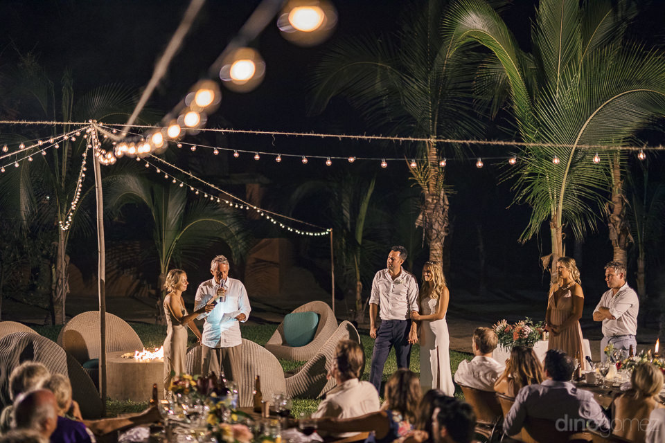 heartfelt and heartwarming wedding speeches given by guests duri