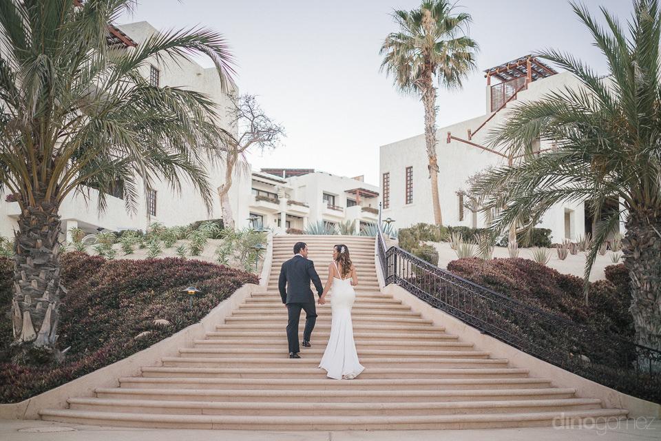 destination wedding photographer in cabo dino gomez at las venta