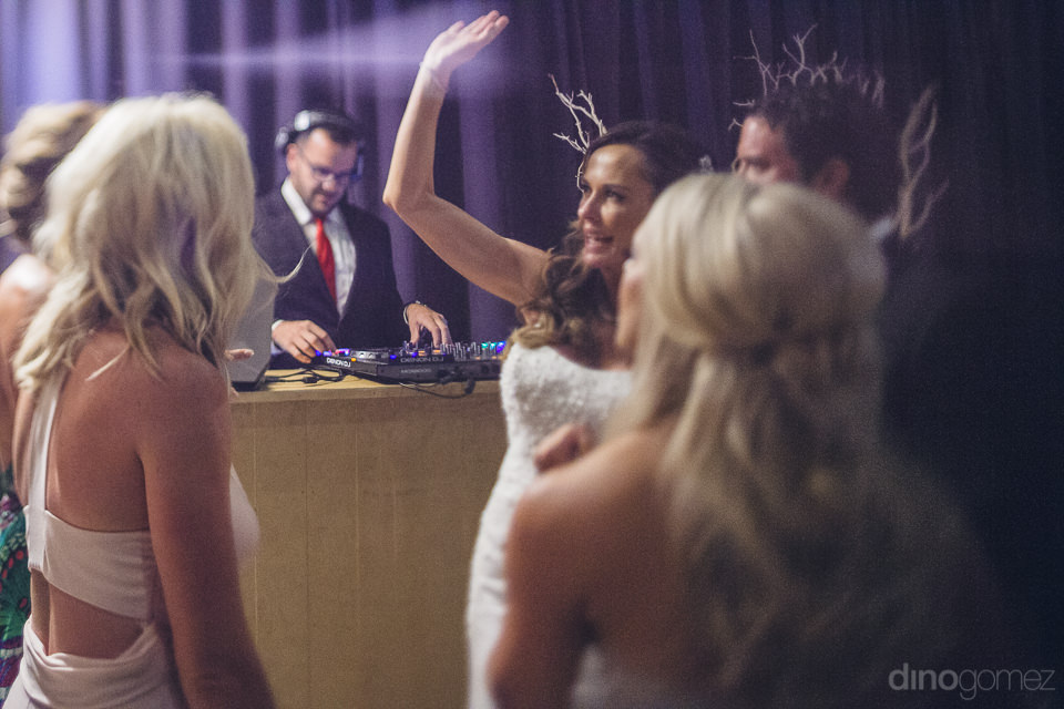 newlyweds love destination wedding in cabo mexico photographer d