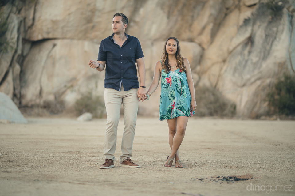 beach engagement photo session by dino gomez