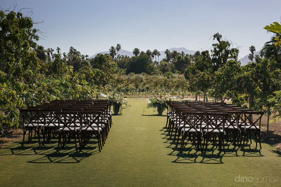beautiful wedding ceremony in orchard farm mexico rentals by let