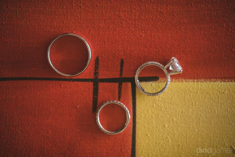 Photo of the rings on the painting - Chiara & Jeremee