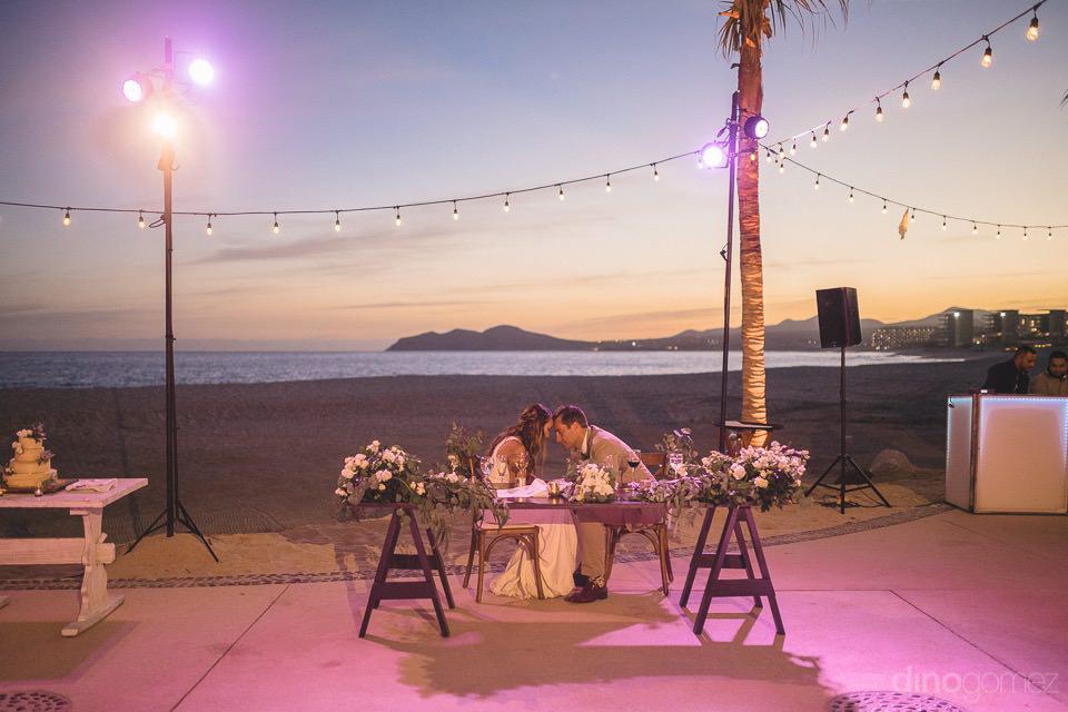 newlyweds moment at sunset - Chiara & Jeremee