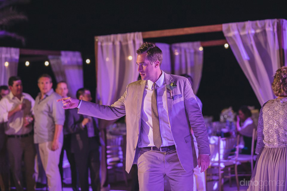 The the groom dancing - Chiara & Jeremee