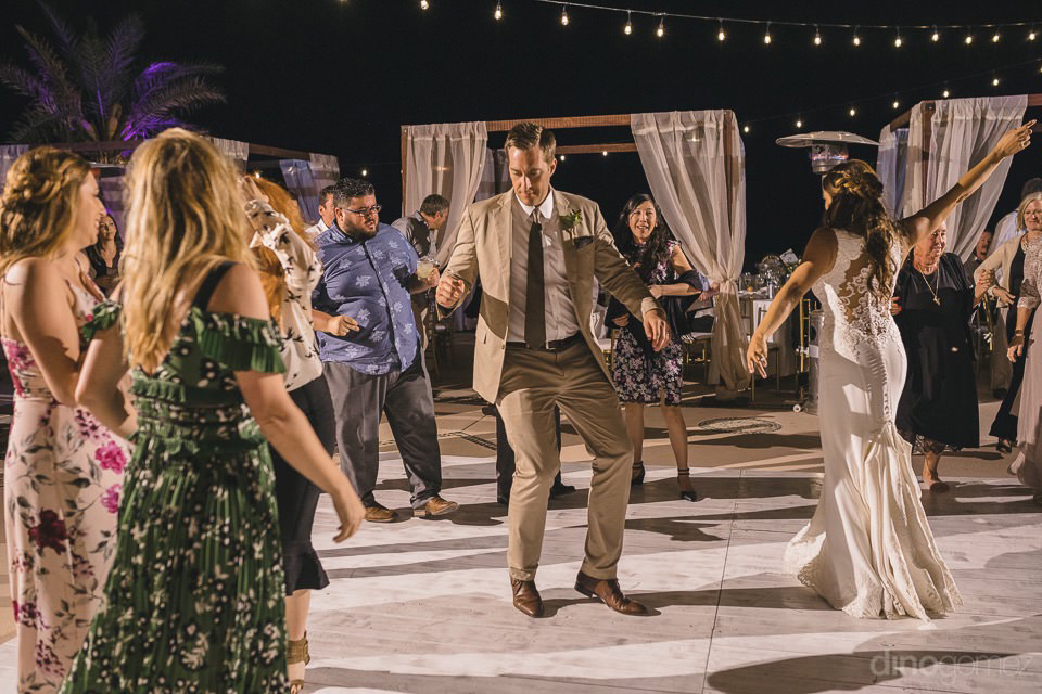 Newlyweds dancing at the party - Chiara & Jeremee