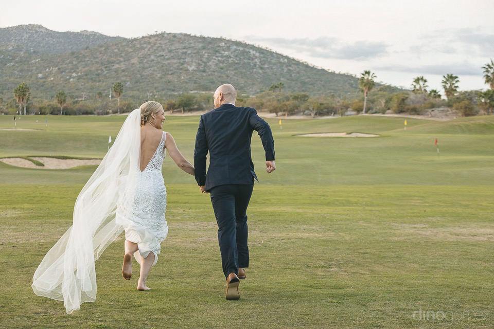 Newlyweds running away - Megan & Andrew's Wedding