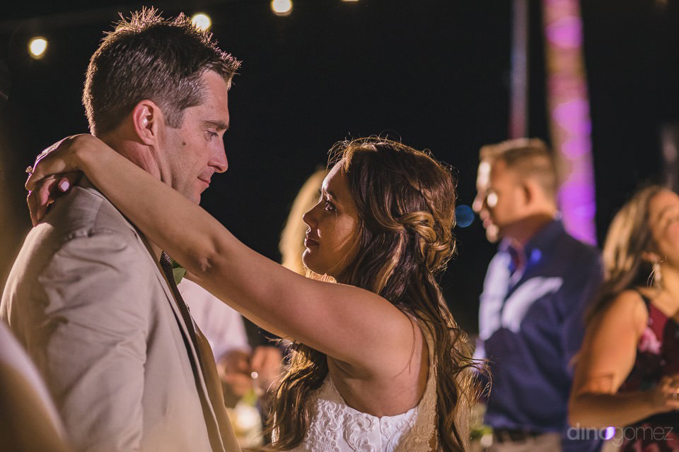 Newlyweds romantically dancing - Chiara & Jeremee