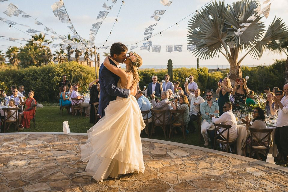 newlyweds kissing while dancing - Rachel & Destin